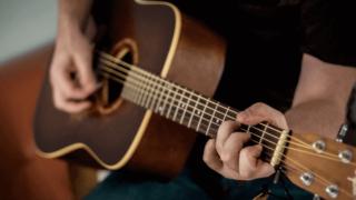 ギター_男性